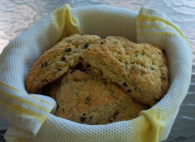 Oatmeal Currant Scones