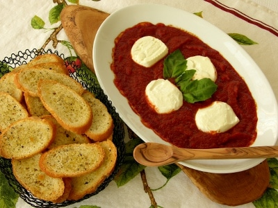 Baked Goat Cheese and Tomato Sauce – #SundaySupper #Oscars Party