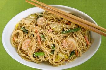 Sesame Noodles With Shrimp and Vegetables
