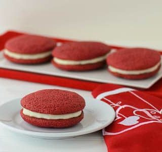 Red Velvet Sandwich Cookies for #SundaySupper