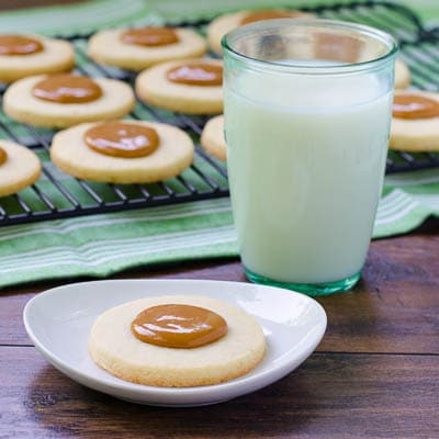 Cuban Sugar Cookies (Torticas de Moron) with Dulce de Leche | Magnolia Days