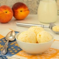 Peaches and Cream Frozen Yogurt