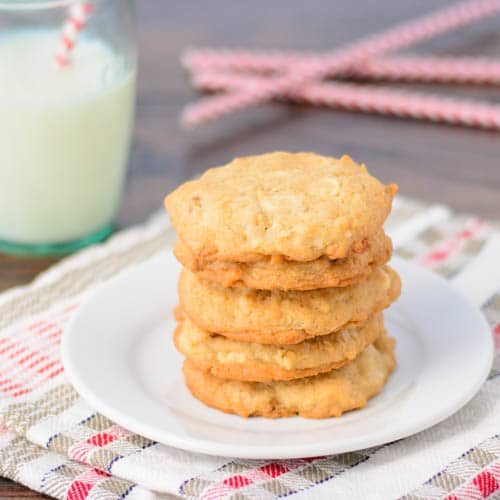 White Chocolate Chip Oat Cookies | Magnolia Days