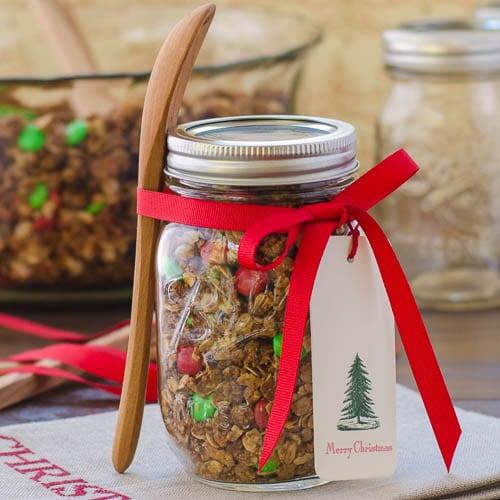 Homemade Crunchy Granola | Magnolia Days