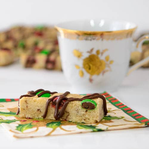 Chocolate Chip Shortbread Bars | Magnolia Days