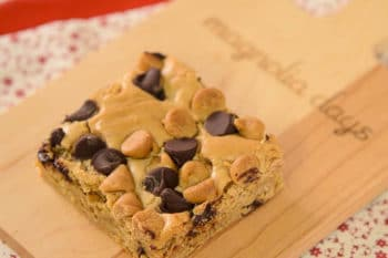 Peanut Butter Chocolate Chip Bars | Magnolia Days