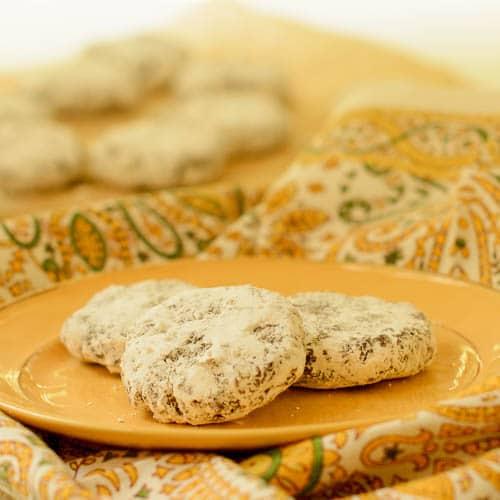 No-Bake Bourbon Pecan Cookies | Magnolia Days