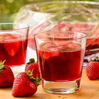 German Strawberry Wine Punch (Erdbeerbowle)