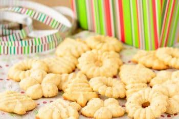 Norwegian Almond Cookies | Magnolia Days