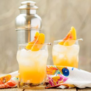 Sparkling Peach Cocktail for #SundaySupper