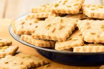 Rye Fennel Crackers   Magnolia Days