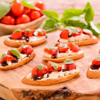 Tomato Blue Cheese Crostini for #SundaySupper