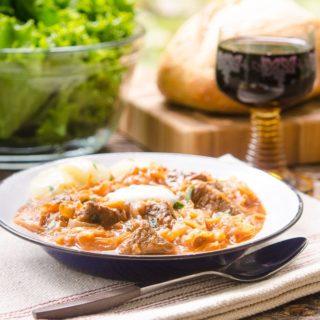 Szegediner Gulasch (German Sauerkraut Beef Goulash) for #SundaySupper