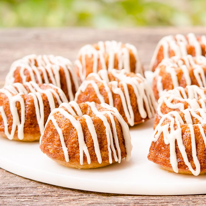 White Russian Mini Bundt Cakes | Magnolia Days