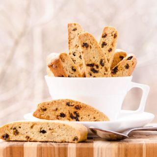 Currant Walnut Biscotti for #CreativeCookieExchange