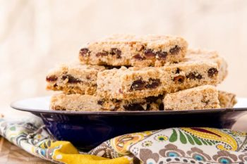 Oatmeal Date Bars | Magnolia Days