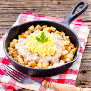Southern Sausage Breakfast Poutine for #SundaySupper #FWCon
