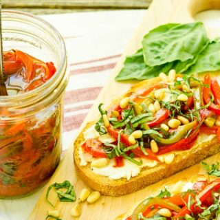 Marinated Basil and Garlic Peppers for #WeekdaySupper