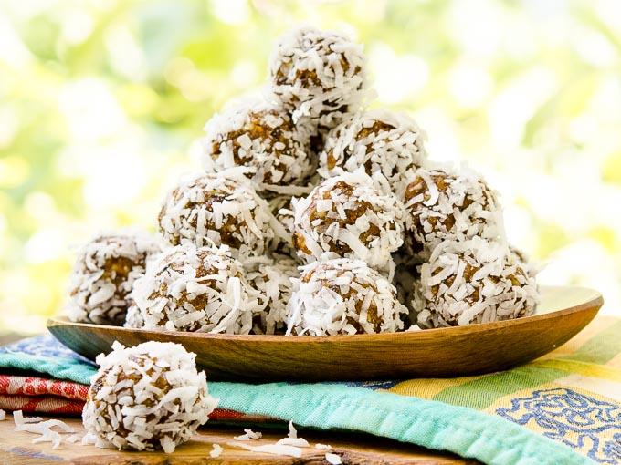 No-Bake Fruit Balls by Magnolia Days