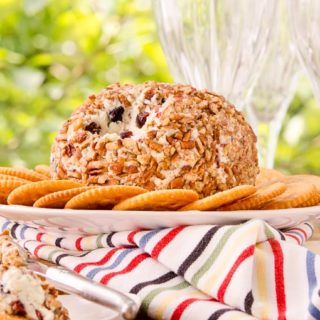 Honey Berry Blue Cheese Ball for #SundaySupper