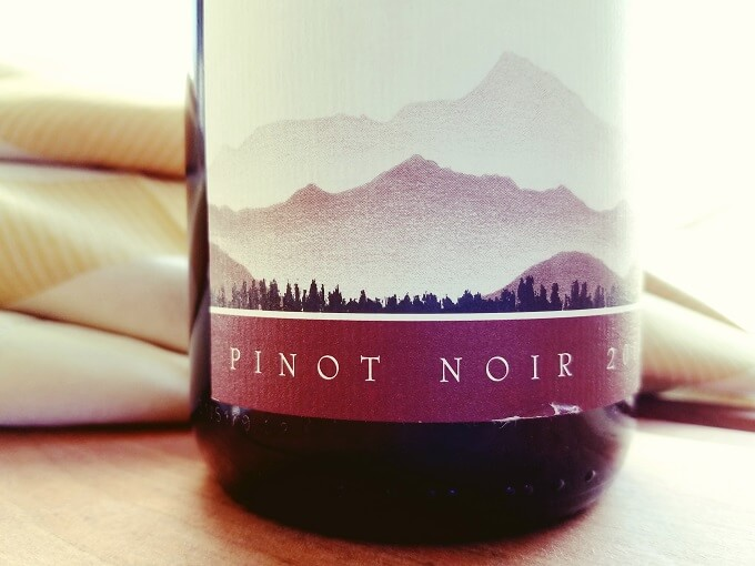 Cloudy Bay Pinot Noir 2014 Label Closeup