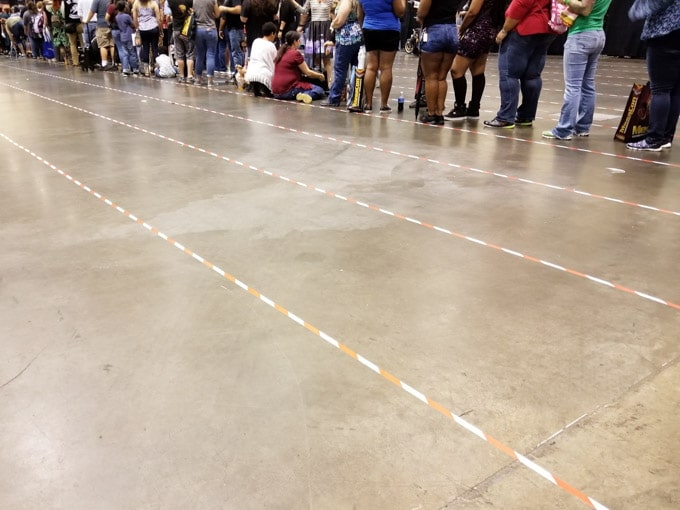 Celebrity Photo Op queue at Megacon - Celebrity photo op ideas